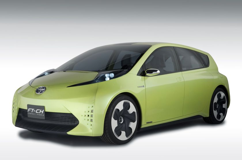 TOYOTA UNVEILS COMPACT DEDICATED HYBRID CONCEPT REVEALS FUTURE PLAN