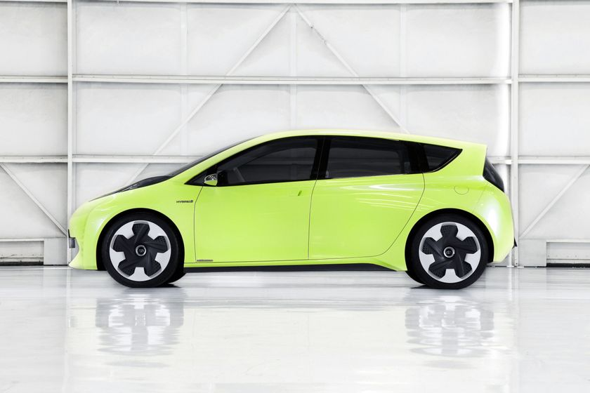 Toyota FT-CH Hybrid Concept 03