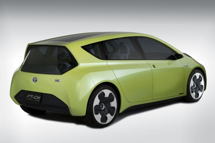 Toyota FT-CH Hybrid Concept 02