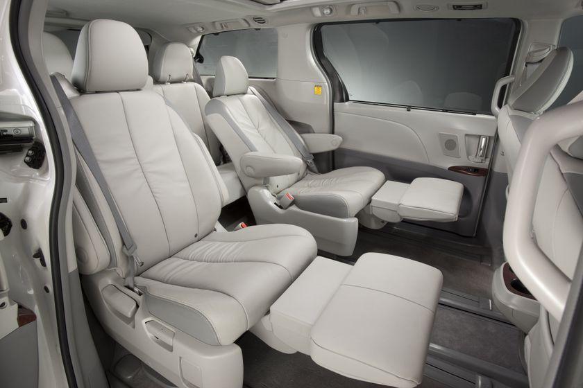2011 Toyota Sienna LTD 19