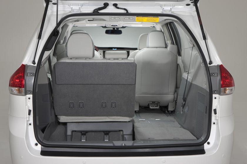 2011 Toyota Sienna LTD 23