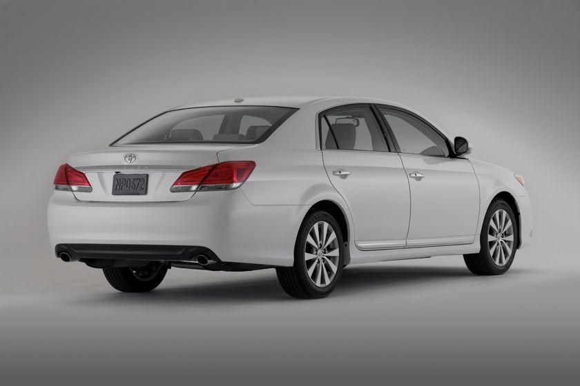 2011 Toyota Avalon 1