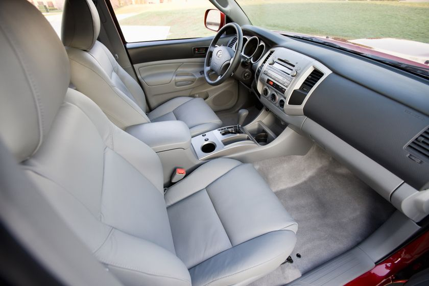 2011 Toyota Tacoma SR5 25