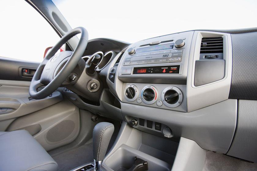 2011 Toyota Tacoma SR5 24