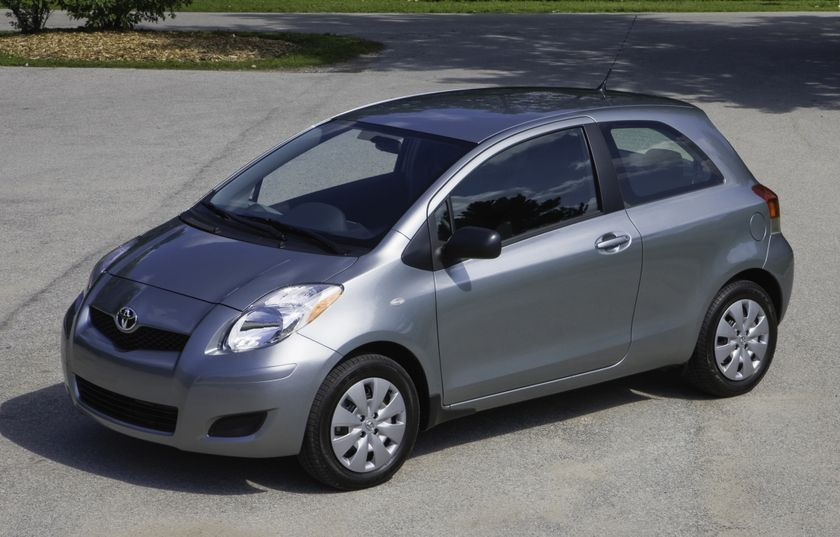 2011 Toyota Yaris Hatchback 19