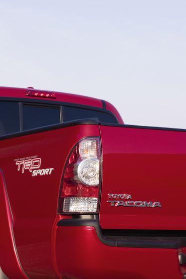 2011 Toyota Tacoma SR5 31