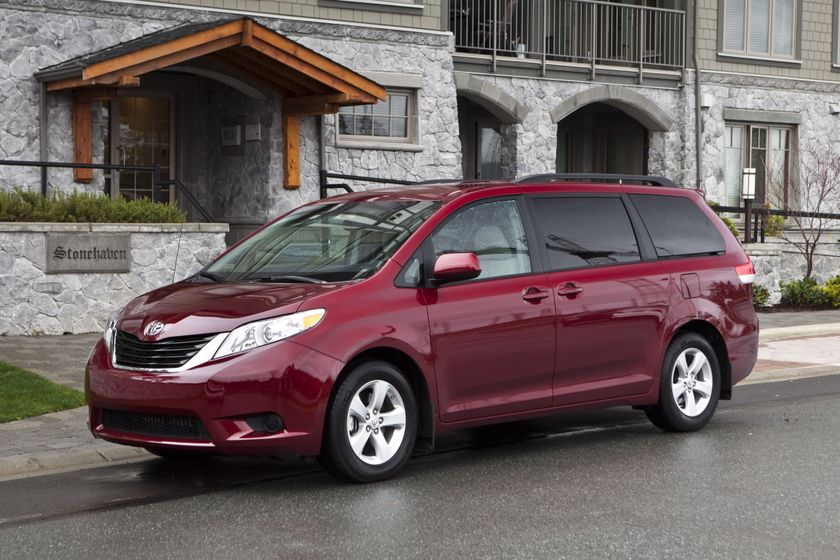 toyota sienna named best new minivan in ajac s 2011. Black Bedroom Furniture Sets. Home Design Ideas