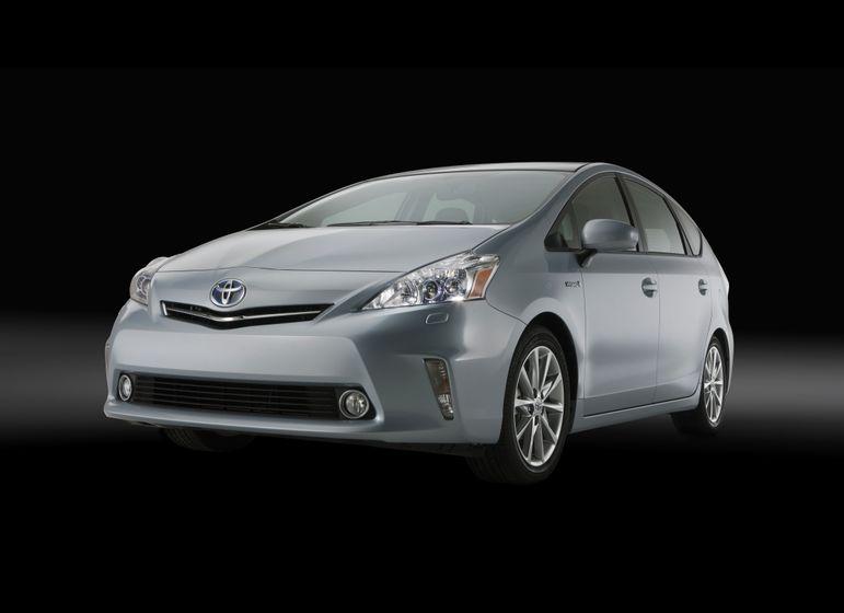 2012 Toyota Prius V 06