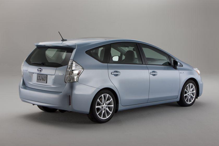 2012 Toyota Prius V 13