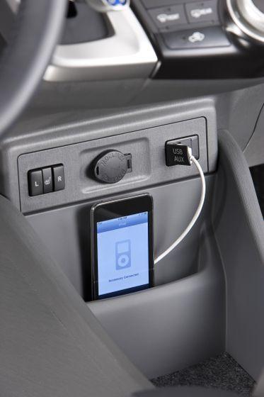 2012 Toyota Prius V 44