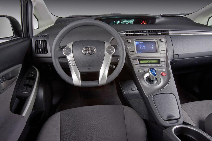 2012 Toyota Prius 10