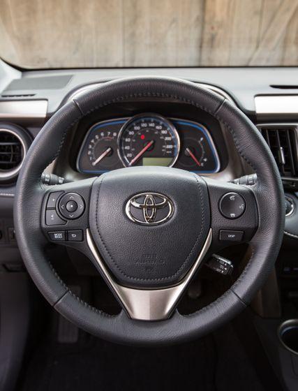 2013 Toyota RAV4-17