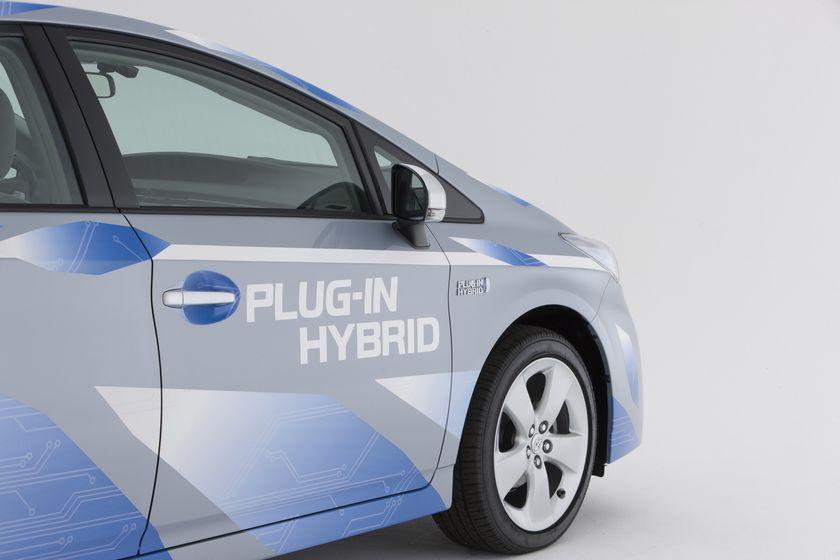 2010 Toyota Prius PHEV 13