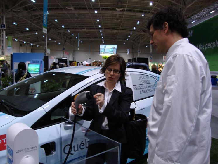 Jamie Kennedy and the Prius Plug-in Hybrid 5
