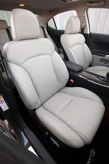 2011 Lexus IS 350 015