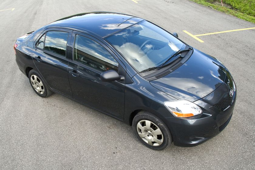 2012 Toyota Yaris Sedan 23