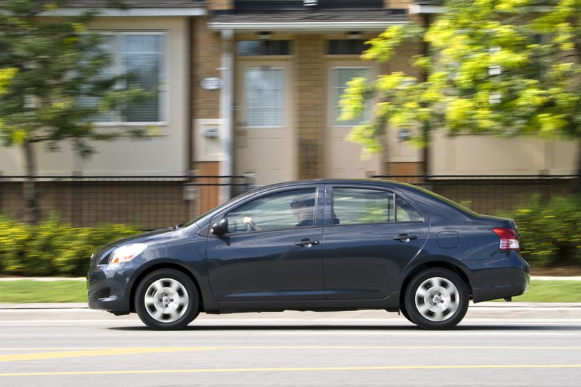 2012 Toyota Yaris Sedan 21
