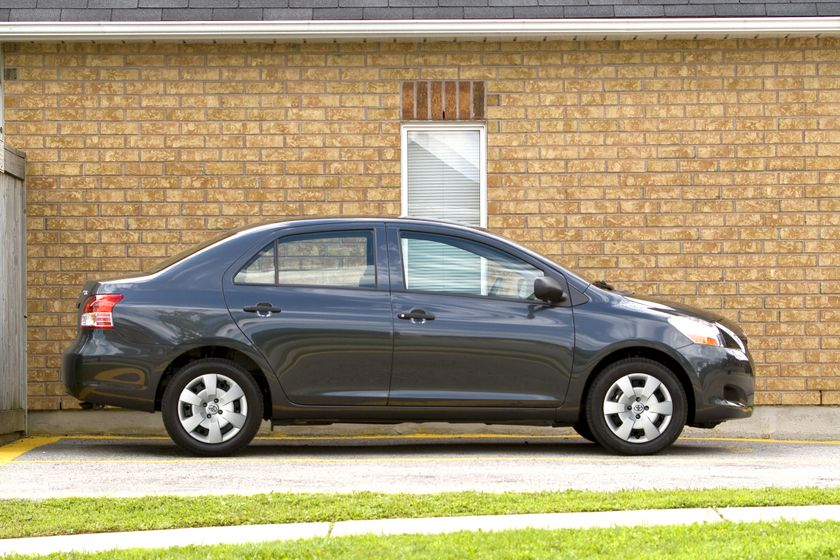 2012 Toyota Yaris Sedan 09