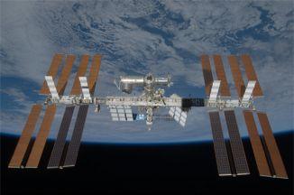 Station spatiale internationale (photo publiée avec l'aimable autorisation de JAXA et NASA)