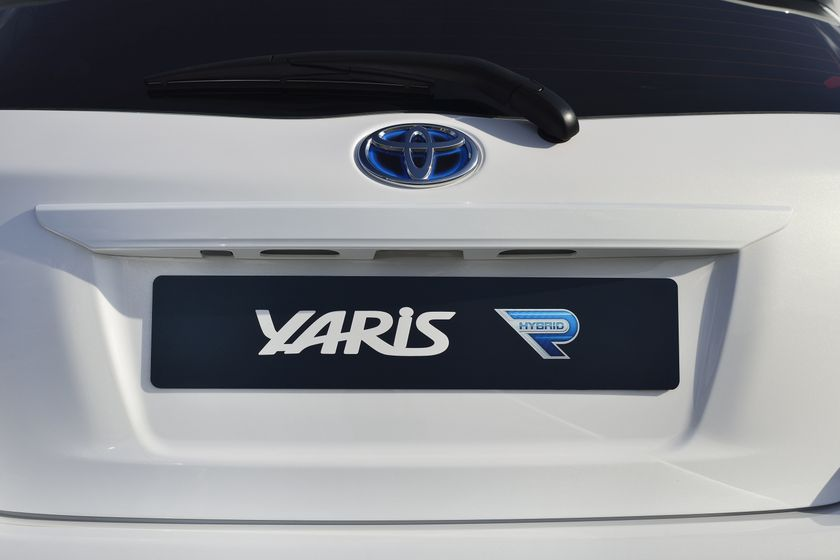 2013 Yaris Hybrid-R DET 08