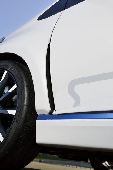 2013 Yaris Hybrid-R DET 04