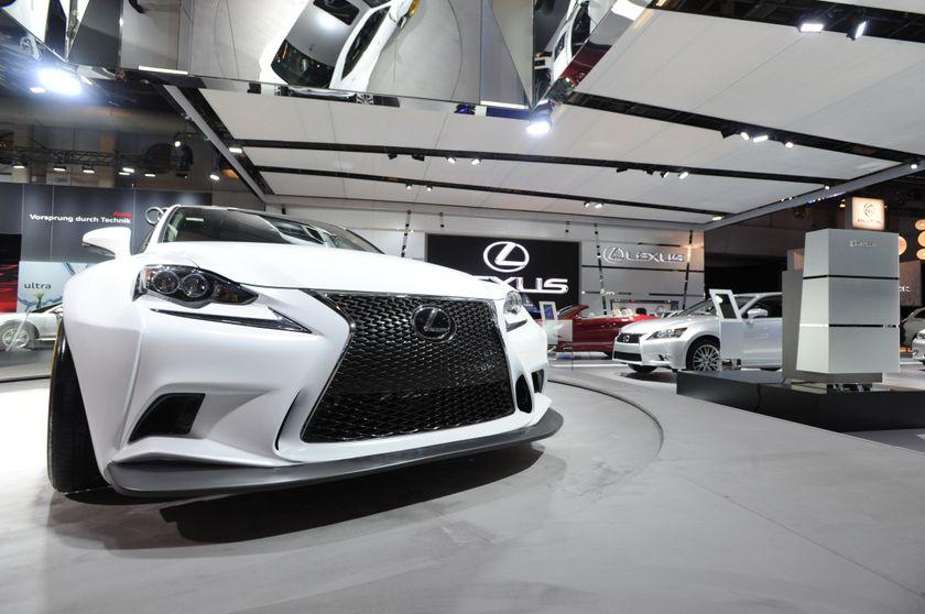 Montreal Auto Show Lexus1
