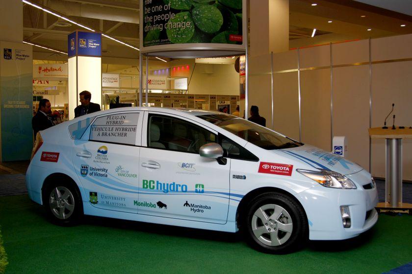2010 Toyota Prius PHV Partnership 9
