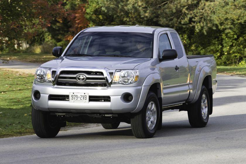 2011 Toyota Tacoma SR5 01
