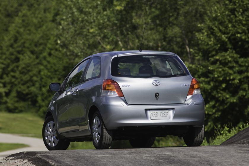 2011 Toyota Yaris Hatchback 14