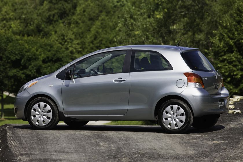 2011 Toyota Yaris Hatchback 15