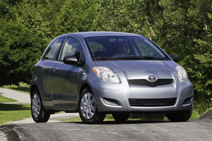 2011 Toyota Yaris Hatchback 11