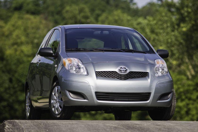 2011 Toyota Yaris Hatchback 12