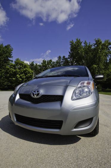 2011 Toyota Yaris Hatchback 18