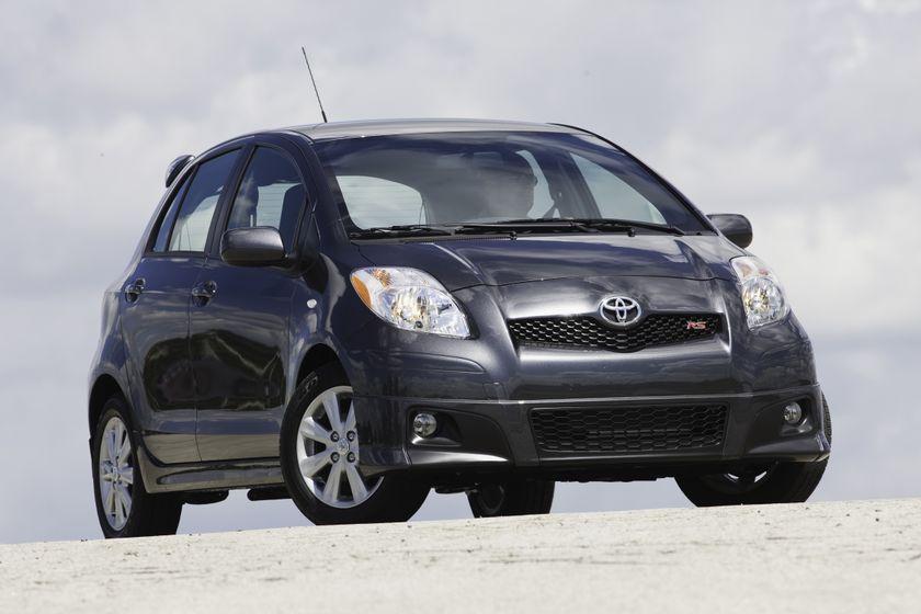 2011 Toyota Yaris Hatchback 39