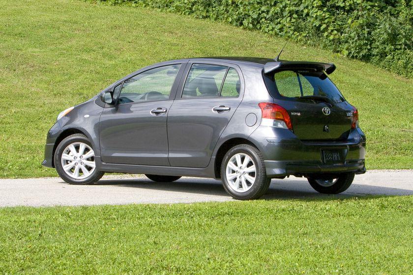 2011 Toyota Yaris Hatchback 48