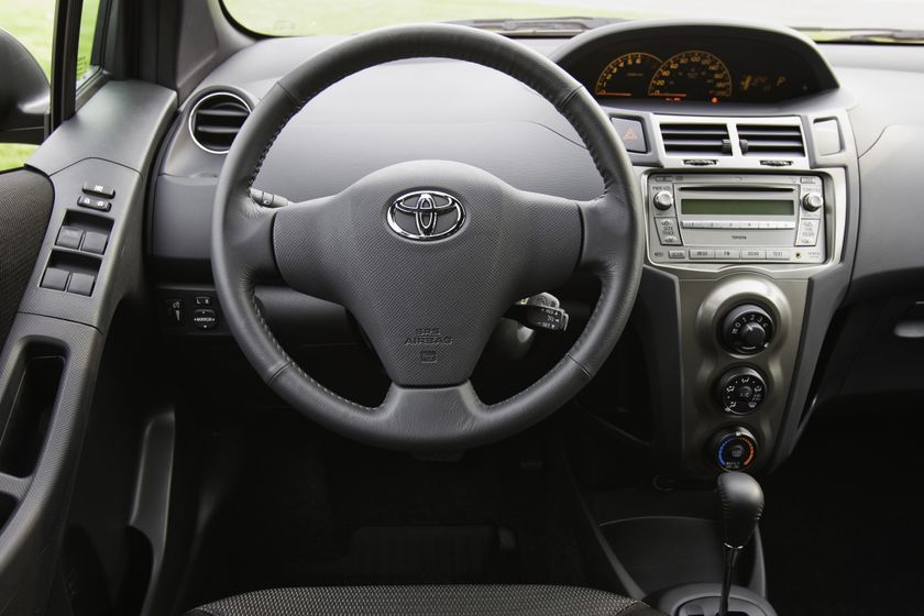 2011 Toyota Yaris Hatchback 53