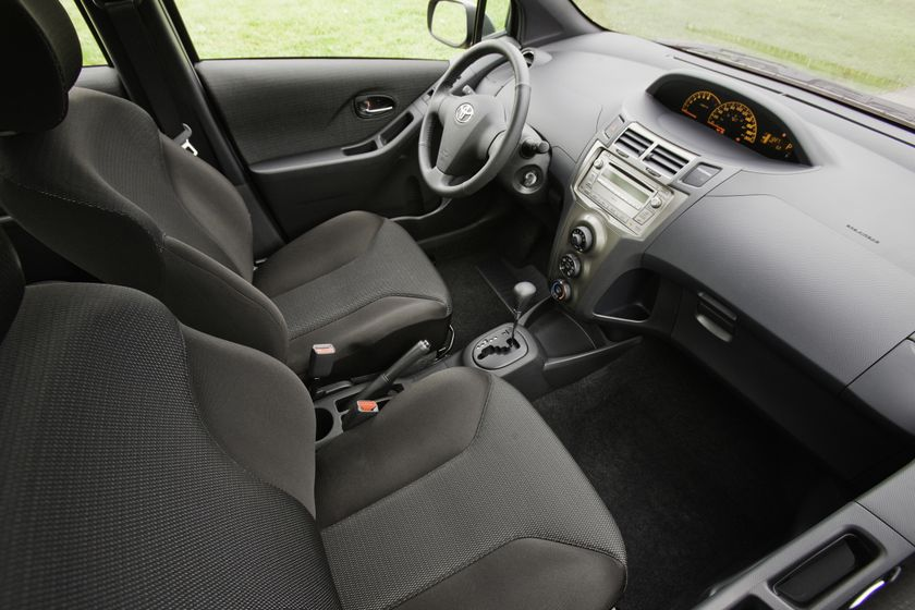 2011 Toyota Yaris Hatchback 55