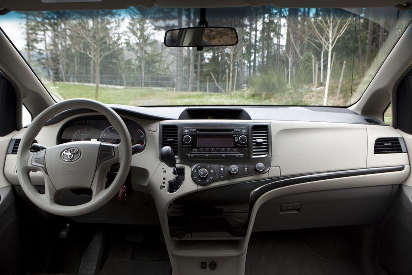 2011 Toyota Sienna V6 093