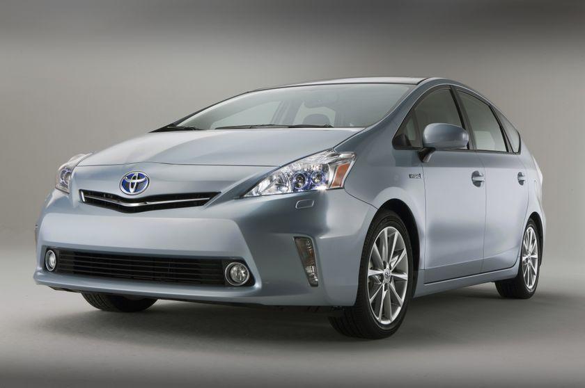 2012 Toyota Prius V 11