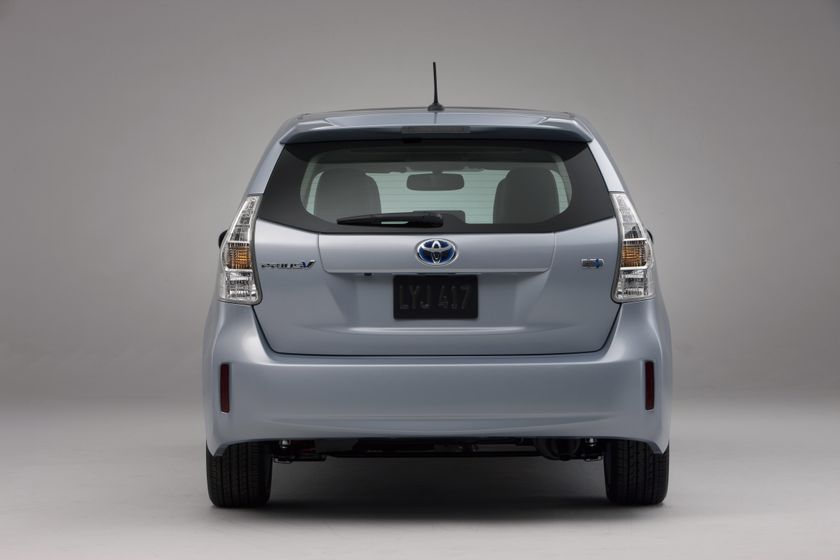 2012 Toyota Prius V 17