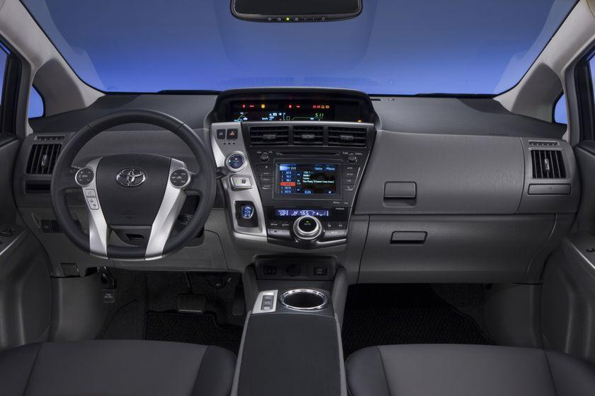 2012 Toyota Prius V 41