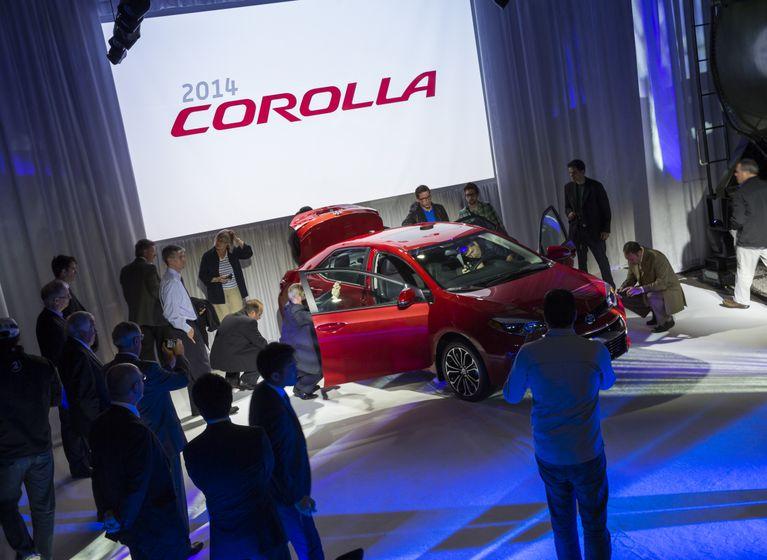 2014 Corolla Reveal-6