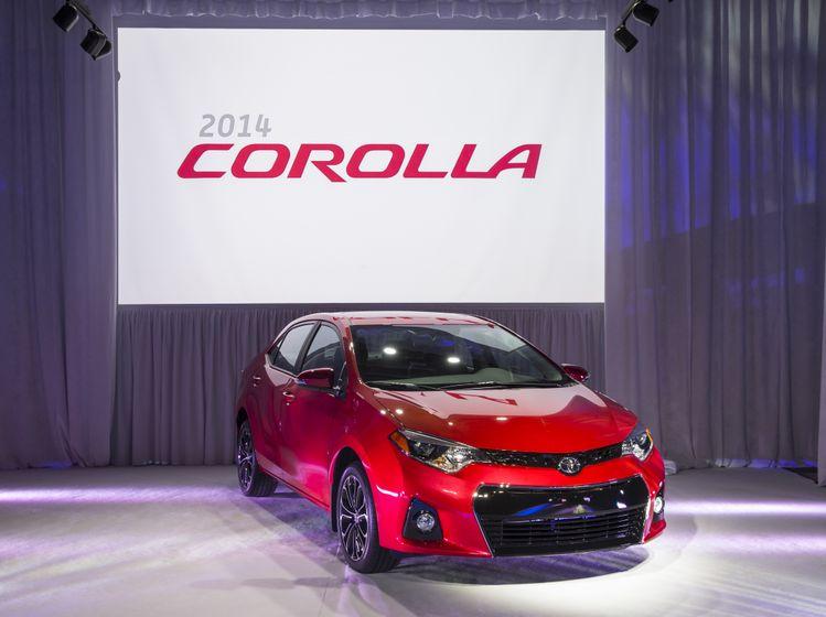 2014 Corolla Reveal-3