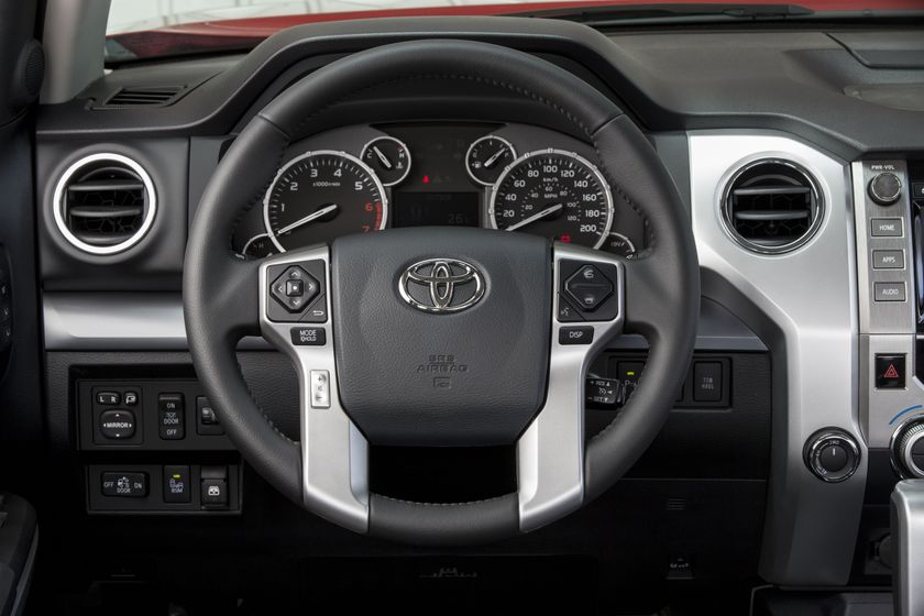 2014 Toyota Tundra Platinum 005