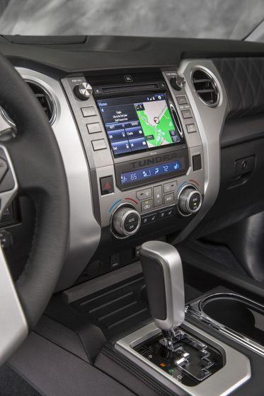 2014 Toyota Tundra Platinum 009