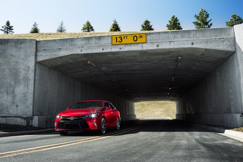 2015 Toyota Camry 001