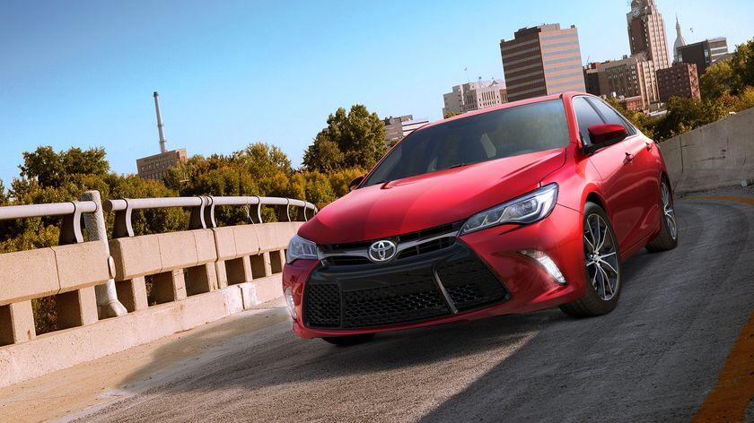 2015 Toyota Camry XSE 02