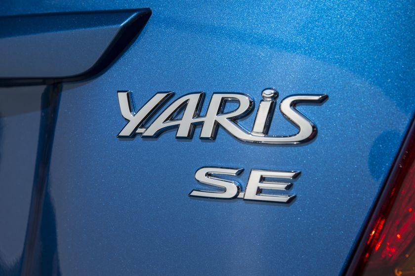 2015_Toyota_Yaris_SE-20
