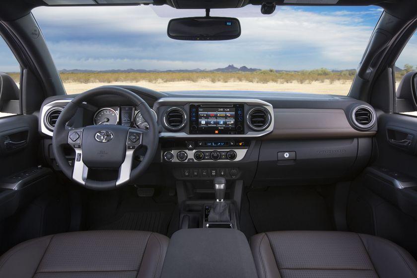 2016_Toyota_Tacoma_Limited_003