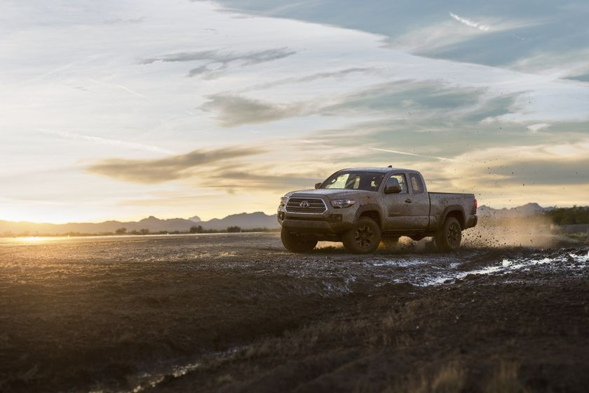 2016_Toyota_Tacoma_TRD_OffRoad_004